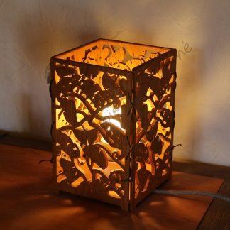 Lampe caméléon créée par Atelier de bois chantourné
